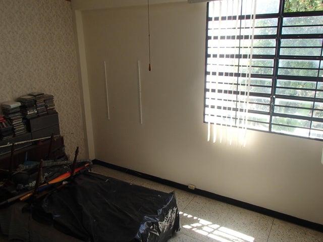 Casa Distrito Metropolitano>Caracas>La Trinidad - Venta:115.000 Precio Referencial - codigo: 16-4223
