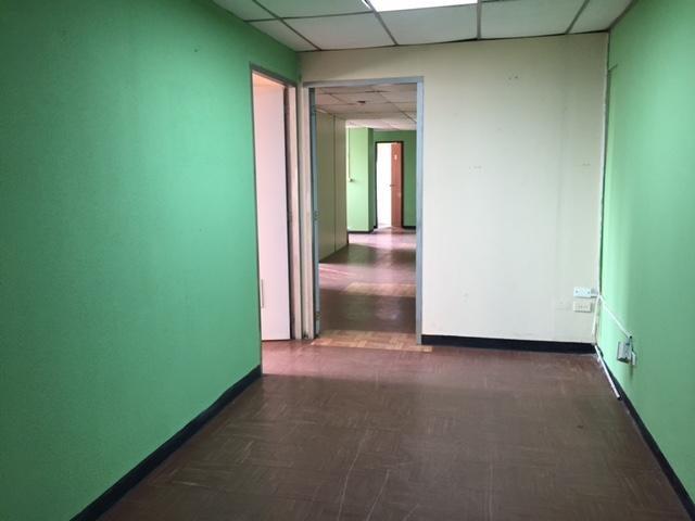 Oficina Zulia>Maracaibo>Calle 72 - Venta:17.958.000.000 Precio Referencial - codigo: 16-4430