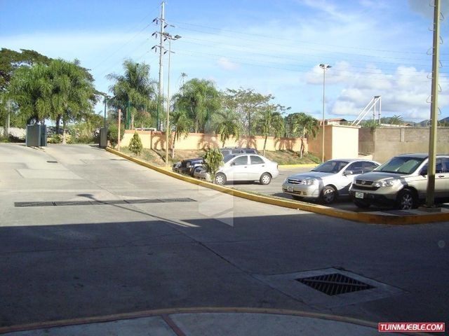 Local Comercial Miranda>Guarenas>Las Islas - Venta:72.347.000.000 Precio Referencial - codigo: 16-4439