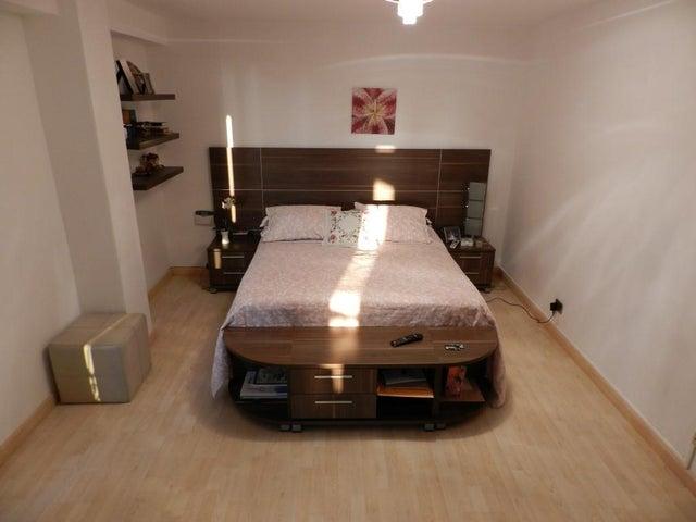 Apartamento Distrito Metropolitano>Caracas>Las Palmas - Venta:252.039.000.000 Precio Referencial - codigo: 16-4520