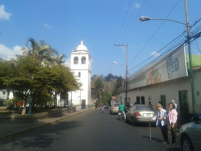 Casa Miranda>San Diego de los Altos>Parcelamiento El Prado - Venta:16.919.000.000 Bolivares - codigo: 16-4556