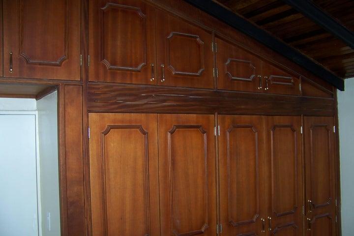 Casa Aragua>Turmero>Parque Residencial Don Juan - Venta:15.791.000.000 Bolivares - codigo: 16-4621