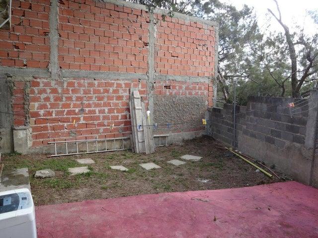 Casa Vargas>El Junquito-Vargas>El Junko Country Club - Venta:9.229.000.000 Bolivares - codigo: 16-4811