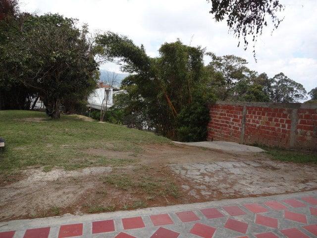 Terreno Vargas>El Junquito-Vargas>El Junko Country Club - Venta:9.238.000.000 Bolivares - codigo: 16-4824