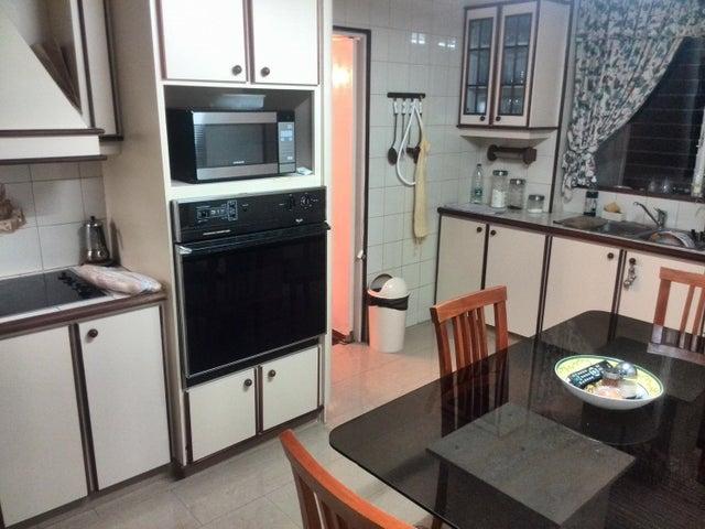 Apartamento Distrito Metropolitano>Caracas>Colinas de Bello Monte - Venta:104.727.000.000 Bolivares Fuertes - codigo: 16-4599