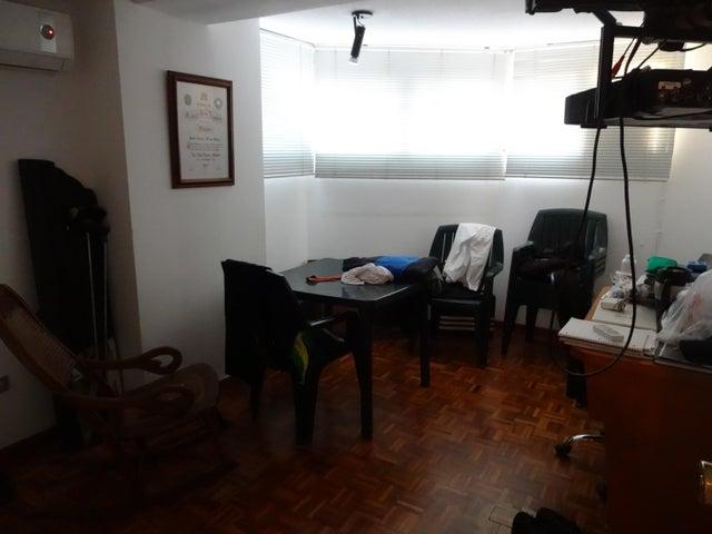 Apartamento Distrito Metropolitano>Caracas>La Castellana - Venta:69.282.000.000 Bolivares Fuertes - codigo: 16-4623