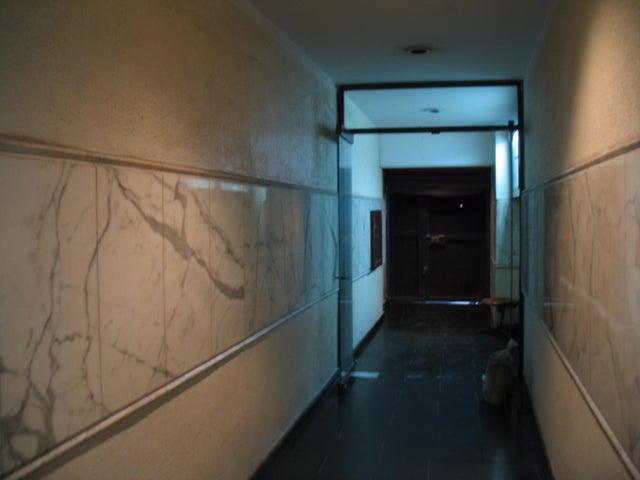 Edificio Distrito Metropolitano>Caracas>Parroquia Catedral - Venta:962.021.000.000 Precio Referencial - codigo: 16-4617