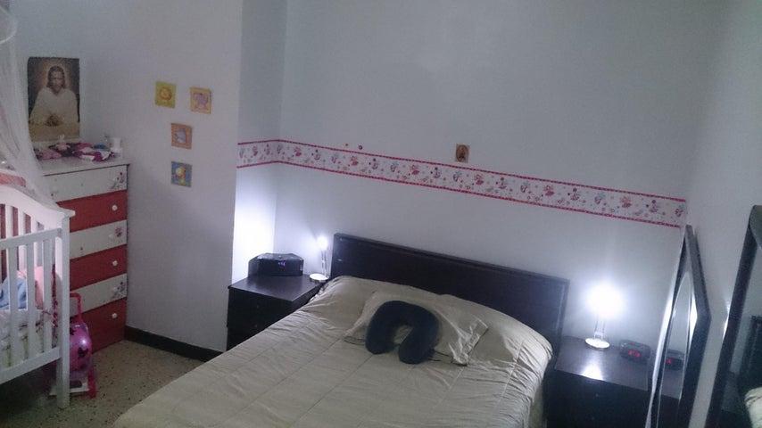 Apartamento Distrito Metropolitano>Caracas>Colinas de Los Caobos - Venta:32.979.000.000 Precio Referencial - codigo: 16-4626