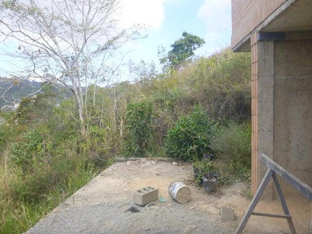 Casa Distrito Metropolitano>Caracas>Los Robles - Venta:87.935.000.000 Precio Referencial - codigo: 16-4642