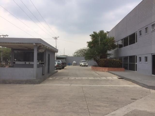 Galpon - Deposito Carabobo>Valencia>El Recreo - Venta:140.000.000.000 Bolivares - codigo: 16-4713