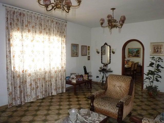 Casa Aragua>Cagua>Centro - Venta:34.615.000.000 Bolivares - codigo: 16-4722