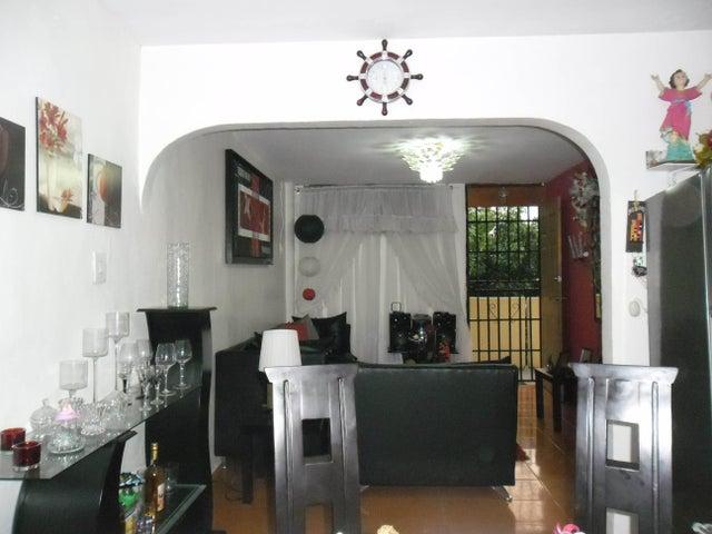 Apartamento Carabobo>Valencia>La Isabelica - Venta:1.924.000.000 Bolivares Fuertes - codigo: 16-4799
