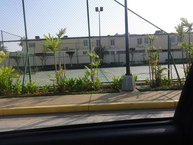 Townhouse Zulia>Maracaibo>Fuerzas Armadas - Venta:82.613.000.000 Precio Referencial - codigo: 16-4812