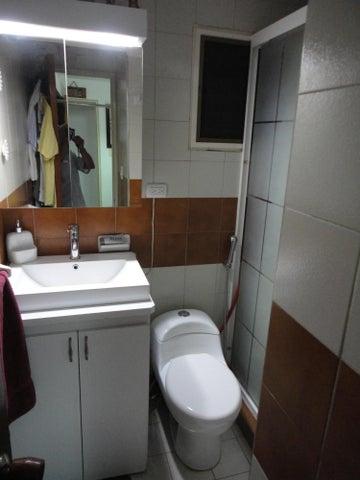 Apartamento Distrito Metropolitano>Caracas>Miranda - Venta:27.692.000.000 Bolivares Fuertes - codigo: 16-4815