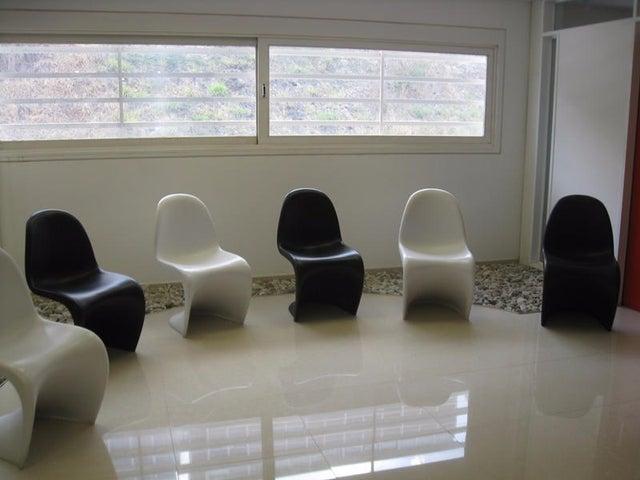 Galpon - Deposito Distrito Metropolitano>Caracas>Macaracuay - Venta:1.861.816.000.000 Bolivares - codigo: 16-4921