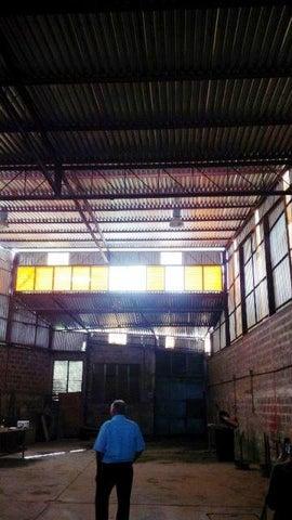 Local Comercial Miranda>Cua>Centro - Venta:45.117.000.000 Bolivares Fuertes - codigo: 16-4838