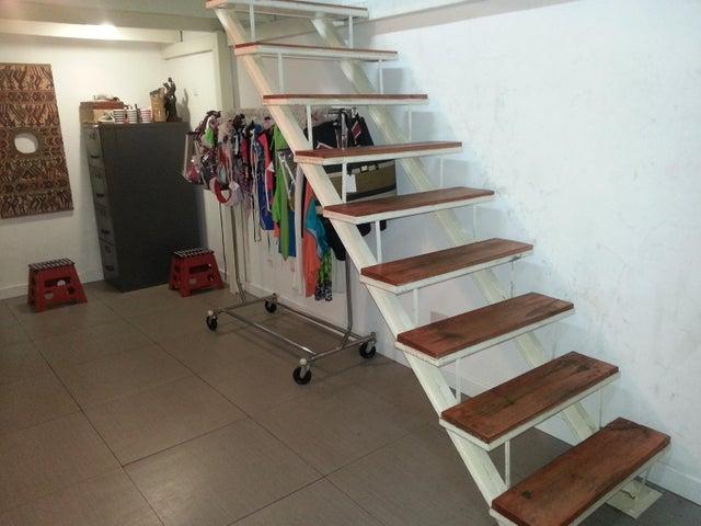 Local Comercial Distrito Metropolitano>Caracas>Prado Humboldt - Venta:31.601.000.000 Precio Referencial - codigo: 16-4842
