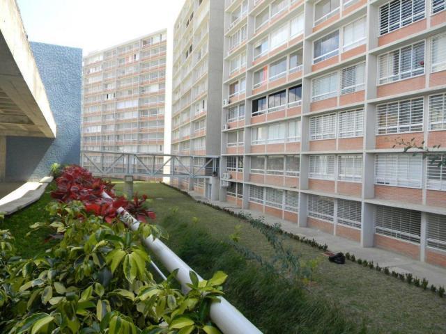 Apartamento Distrito Metropolitano>Caracas>El Encantado - Venta:4.605.000.000 Bolivares Fuertes - codigo: 16-4911