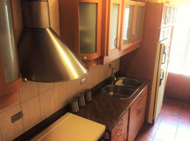 Apartamento Distrito Metropolitano>Caracas>Los Palos Grandes - Alquiler:80.000.000 Bolivares Fuertes - codigo: 16-4947