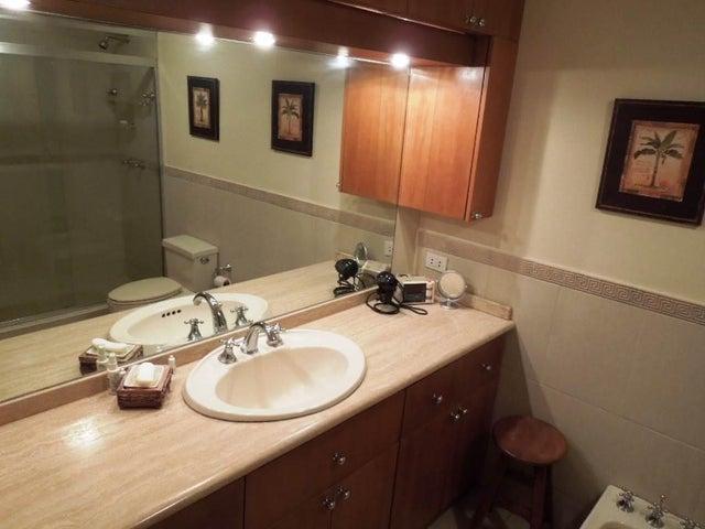 Apartamento Distrito Metropolitano>Caracas>Llano Verde - Venta:147.510.000.000 Precio Referencial - codigo: 16-4954