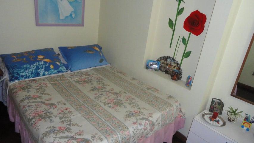 Apartamento Distrito Metropolitano>Caracas>Las Palmas - Venta:134.089.000.000 Precio Referencial - codigo: 16-5020
