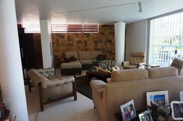 Casa Distrito Metropolitano>Caracas>Prados del Este - Venta:259.558.000.000 Precio Referencial - codigo: 16-5029