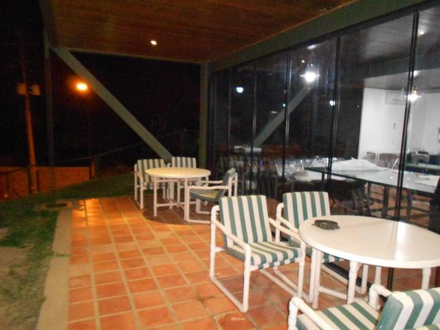 Casa Distrito Metropolitano>Caracas>Los Naranjos del Cafetal - Venta:285.969.000.000 Precio Referencial - codigo: 16-5123