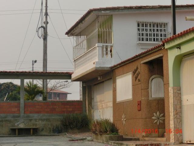 Casa Miranda>Charallave>Mata Linda - Venta:14.047.000.000 Precio Referencial - codigo: 16-7437