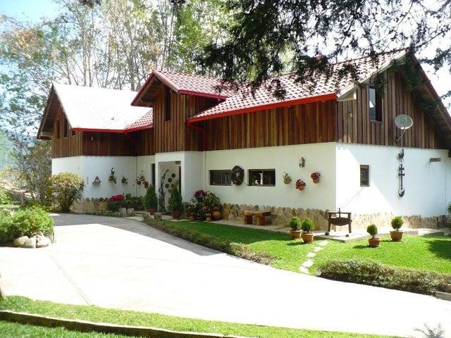 Casa Aragua>La Colonia Tovar>La Colonia Tovar - Venta:2.079.414.000.000 Precio Referencial - codigo: 16-8631