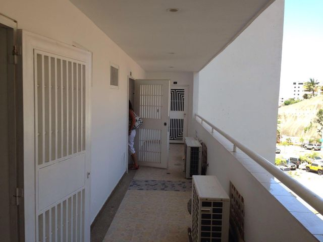 Apartamento Vargas>Parroquia Caraballeda>La Llanada - Venta:45.141.000.000 Precio Referencial - codigo: 16-5210