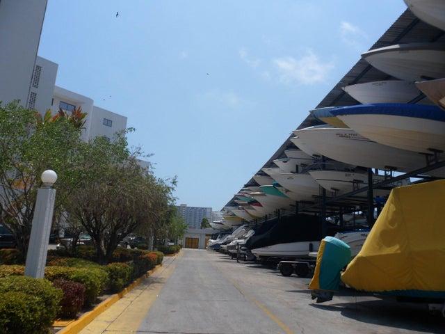 Apartamento Falcon>Tucacas>Tucacas - Venta:76.258.000.000 Precio Referencial - codigo: 16-5238