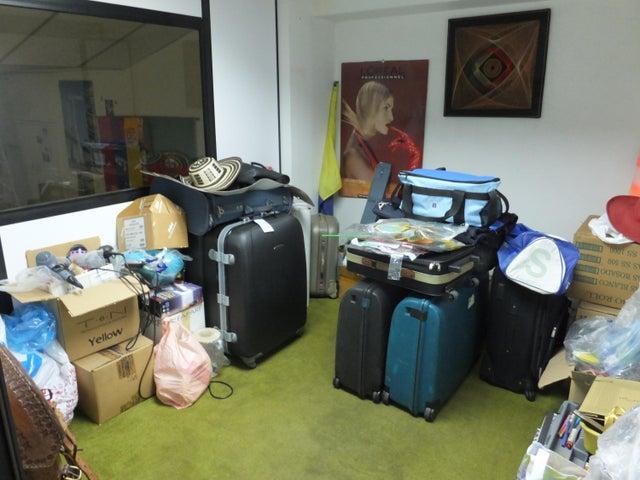 Local Comercial Distrito Metropolitano>Caracas>Horizonte - Venta:33.948.000.000 Bolivares - codigo: 16-6457