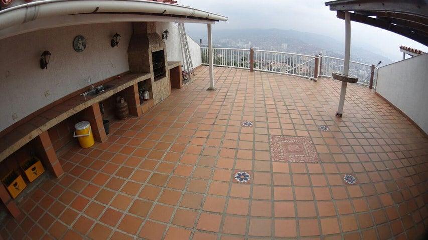 Casa Distrito Metropolitano>Caracas>Colinas de Bello Monte - Venta:171.003.000.000 Precio Referencial - codigo: 15-3502