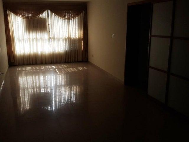 Apartamento Carabobo>Valencia>El Bosque - Venta:8.400.000.000 Bolivares Fuertes - codigo: 16-5297