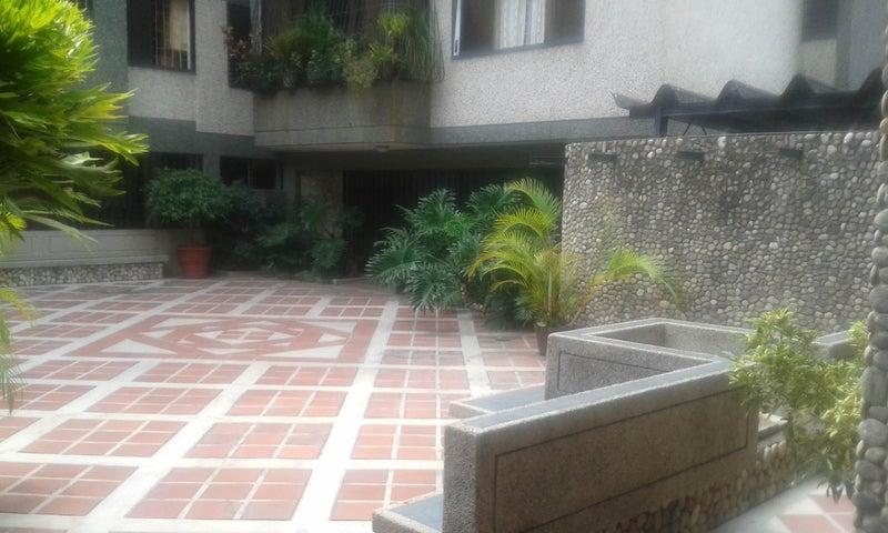 Apartamento Distrito Metropolitano>Caracas>Santa Eduvigis - Venta:75.631.000.000 Precio Referencial - codigo: 16-5374