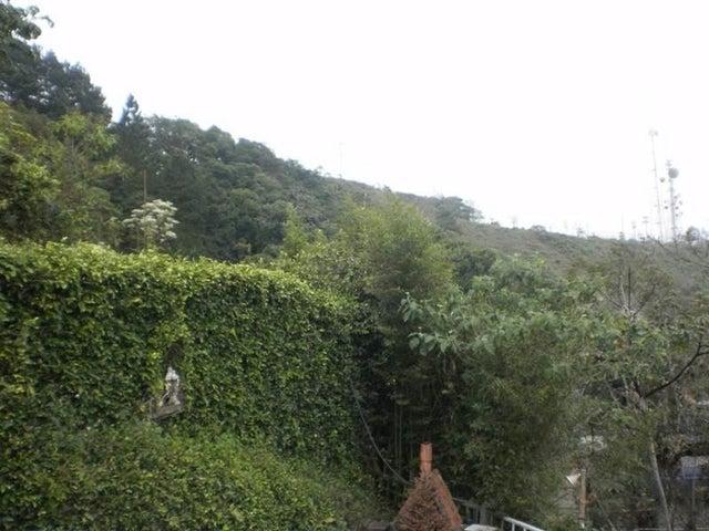 Casa Distrito Metropolitano>Caracas>Hoyo de La Puerta - Venta:6.000.000.000 Bolivares - codigo: 16-5940
