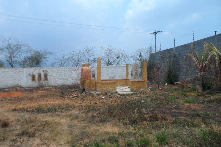 Terreno Carabobo>Municipio Bejuma>Bejuma - Venta:5.000 Precio Referencial - codigo: 16-5460