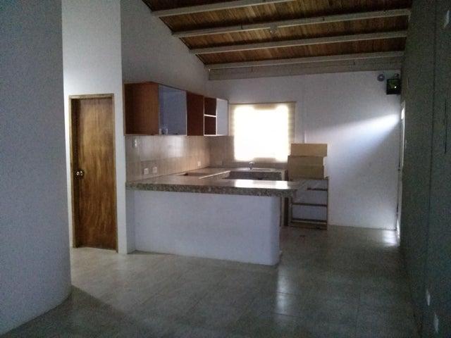 Casa Zulia>Maracaibo>Avenida Milagro Norte - Venta:15.000.000 Bolivares - codigo: 16-5793