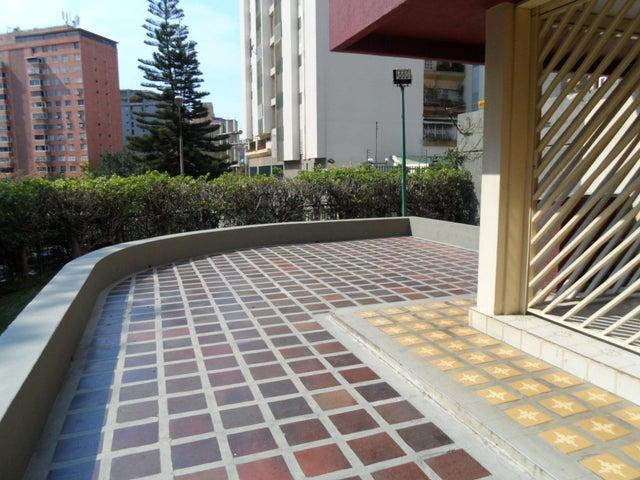 Apartamento Distrito Metropolitano>Caracas>Terrazas del Club Hipico - Venta:32.816.000.000 Bolivares Fuertes - codigo: 16-5497