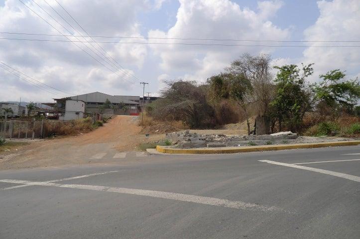 Terreno Miranda>Guatire>El Marques - Venta:60.000 Precio Referencial - codigo: 16-5897