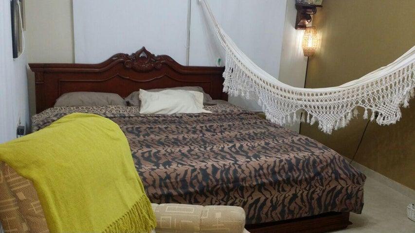 Casa Zulia>Cabimas>Cumana - Venta:3.684.000.000 Bolivares - codigo: 16-5534