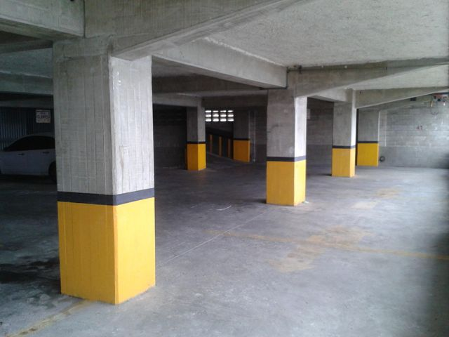 Local Comercial Distrito Metropolitano>Caracas>Mariche - Venta:369.222.000.000 Bolivares - codigo: 16-5596