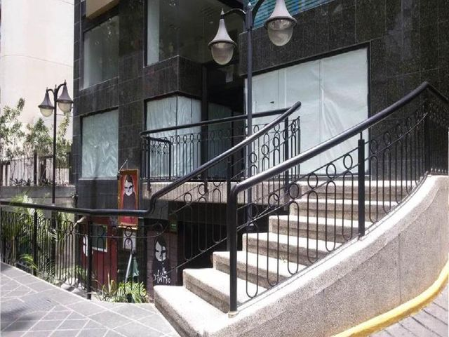 Oficina Distrito Metropolitano>Caracas>Las Mercedes - Venta:46.153.000.000 Bolivares - codigo: 16-5611