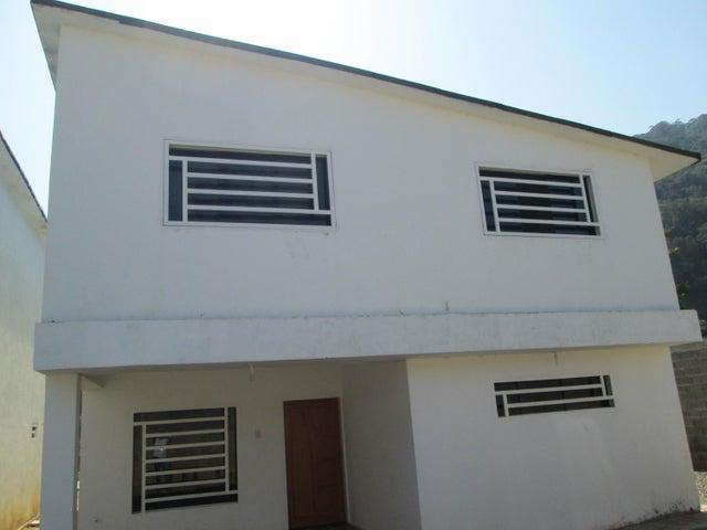 Casa Vargas>El Junquito-Vargas>El Junko Country Club - Venta:51.912.000.000 Precio Referencial - codigo: 16-5791