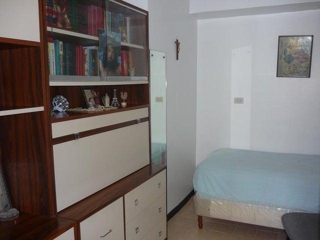 Apartamento Distrito Metropolitano>Caracas>Manzanares - Venta:64.135.000.000 Precio Referencial - codigo: 16-5628