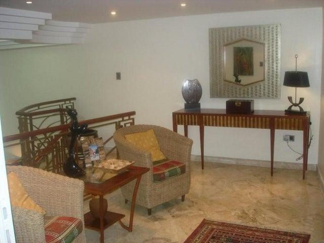 Casa Distrito Metropolitano>Caracas>Las Marias - Venta:152.752.000.000 Bolivares - codigo: 16-5724
