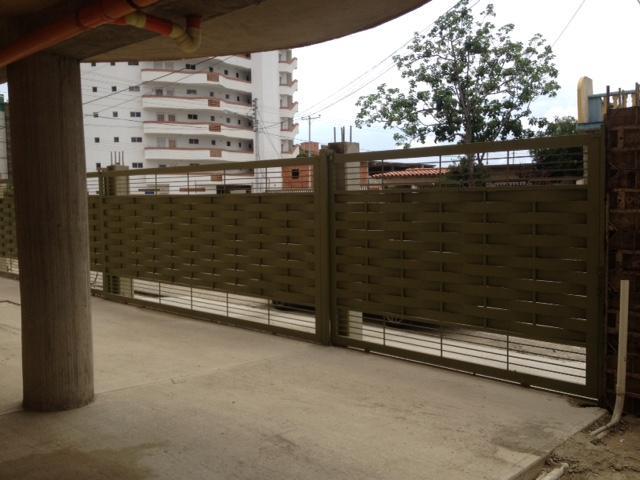 Apartamento Miranda>Higuerote>Higuerote - Venta:22.242.000.000 Precio Referencial - codigo: 16-5688