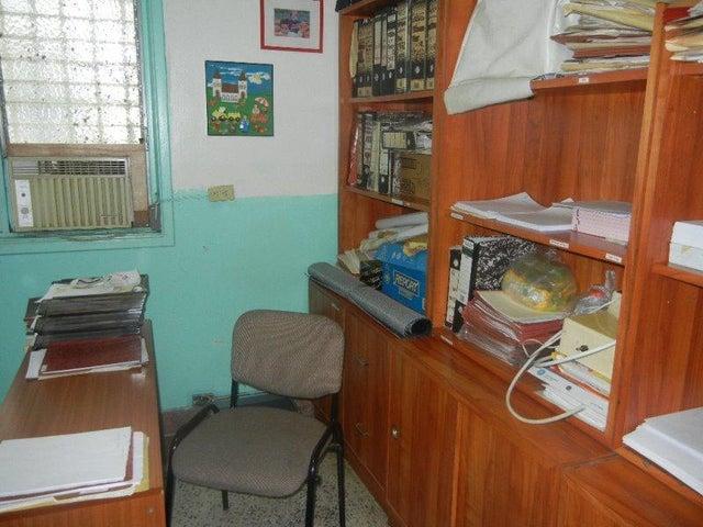 Casa Distrito Metropolitano>Caracas>Santa Monica - Venta:93.091.000.000 Bolivares - codigo: 16-5704