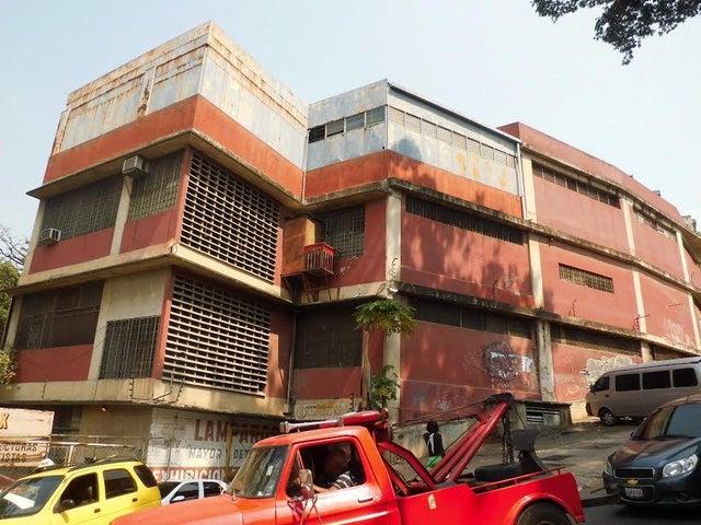 Edificio Distrito Metropolitano>Caracas>Lebrun - Venta:1.417.981.000.000 Precio Referencial - codigo: 16-5707