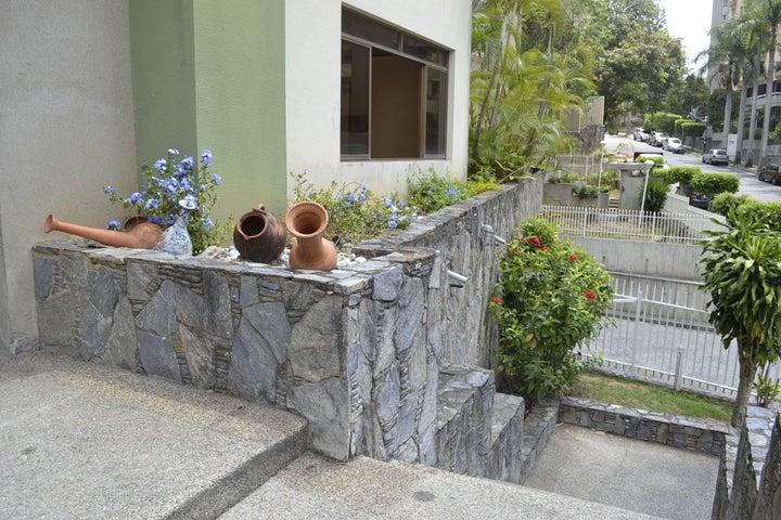 Apartamento Distrito Metropolitano>Caracas>Terrazas del Avila - Venta:17.267.000.000 Bolivares Fuertes - codigo: 16-5728